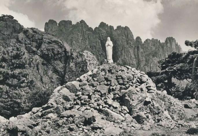 col de bavella statue de notre dame des neiges ~2.jpg