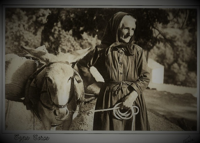 Femme Corse avec sa Mule lacorsedantan.com.jpg