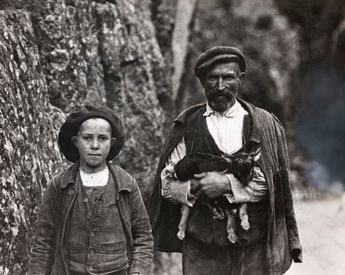 portrait d'un enfant et son fils en 1920 dans LES GORGES DE L' INZECCA