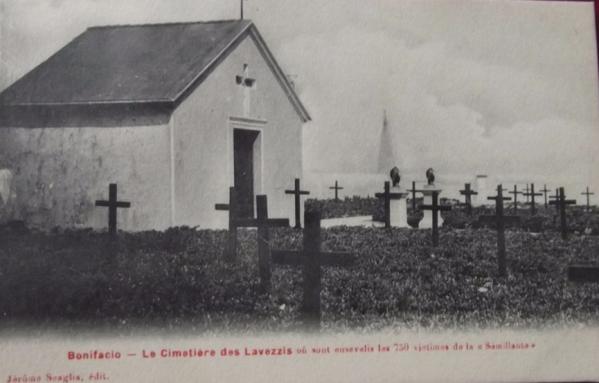bonifacio-le-cimetiere-des-lavezzis-ou-sont-ensevelis-les-750-victimes-de-la-semillante