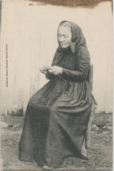 la tricoteuse femme corse